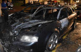 Zwei abgestellte PW in Olten SO ausgebrannt