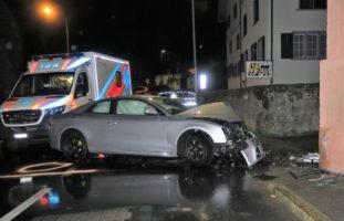 Bilten GL: Totalschaden nach heftigem Verkehrsunfall