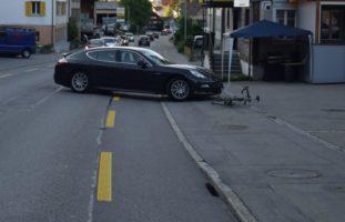 Verkehrsunfall zwischen Rennvelofahrer und PW in Herisau