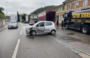 Bubendorf BL: Crash zwischen zwei PW
