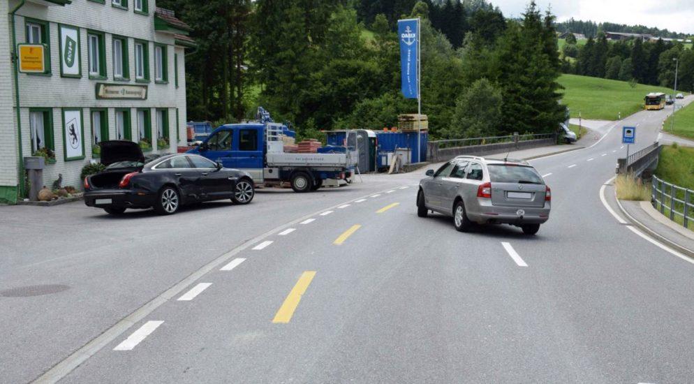 Herisau AR: Verkehrsunfall nach Überholmanöver