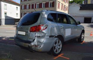 Herisau AR: Ungesichertes Auto rollt rückwärts auf Hauptstrasse