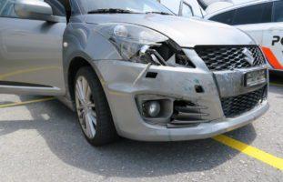 Bilten GL: Verkehrsunfall weil Fahrrad vom Gepäckträger fällt
