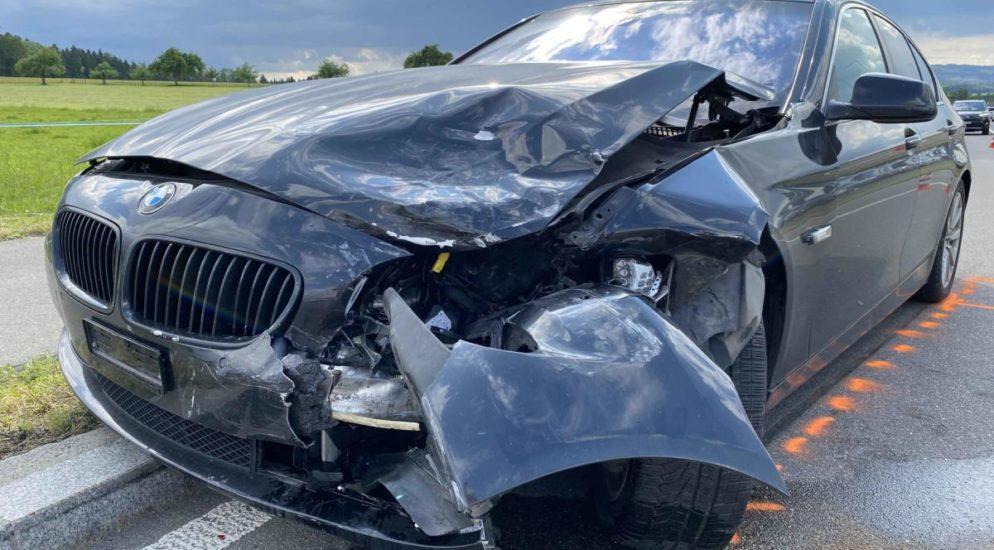 Cham ZG - Stau wegen eines Unfalls