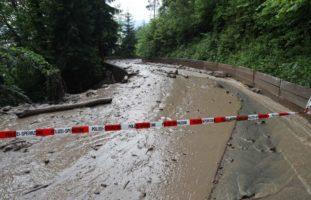 Wegen Starkregen: Massiver Murgang am Zugerberg