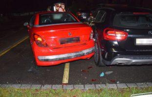 Niederbuchsiten SO: In parkierte Autos geprallt