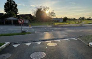 E-Bike-Lenker nach Unfall mit Auto weggefahren