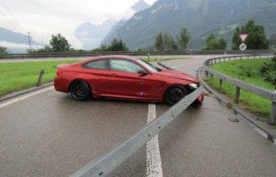 Niederurnen GL - Lenker verliert auf der A3 die Kontrolle über sein Auto