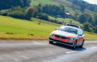 Fahrer ohne Kontrollschilder fährt in Lommiswil/Bellach SO vor Polizei davon
