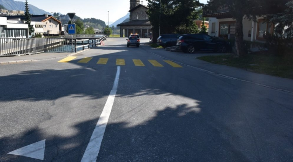 St. Moritz GR: Lenker bei Radunfall verletzt