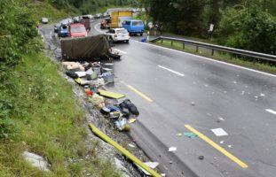 Flims Dorf GR: 28-Jähriger verunfallt mit Militärfahrzeug