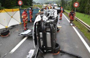 Schwerer Unfall auf N28 Schiers GR fordert mehrere Verletzte