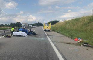 Châtel-St-Denis FR: Lenker (23) schläft auf der A12 ein und verunfallt heftig