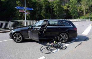 Velofahrerin bei Verkehrsunfall in Urnäsch schwer verletzt