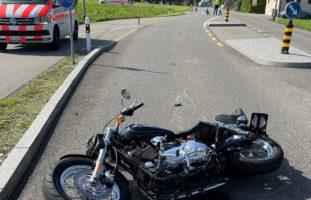 Motorradfahrer bei Selbstunfall in Siegershausen schwer verletzt