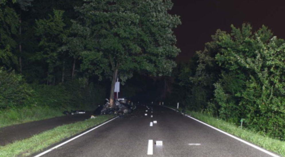 Kloten ZH: Autofahrer (18) stirbt nach Selbstunfall