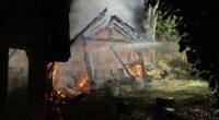 Gartenschopf in Mumpf AG brennt vollständig nieder