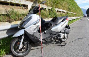 A8 Sarnen OW: Motorradfahrer stirbt noch auf Unfallstelle