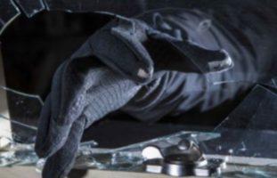 Schwyz: In 28 Fahrzeuge eingebrochen