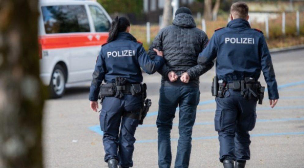 Steinhausen ZG - Aggressor bedroht mehrere Personen mit Taschenmesser