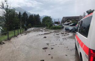 Kanton SZ - Über 200 Notrufe wegen Überflutungen nach Unwetter