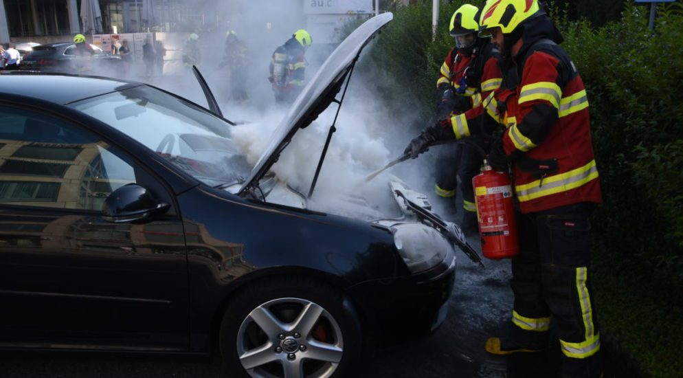 Heerbrugg SG - Totalschaden nach Brand im Motorraum