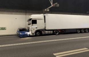 Flurlingen SH - Lastwagenchaffeur übersieht Auto bei Spurwechsel