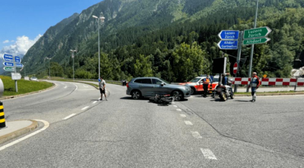 Wassen UR - Motorradfahrer übersehen und seitlich kollidiert