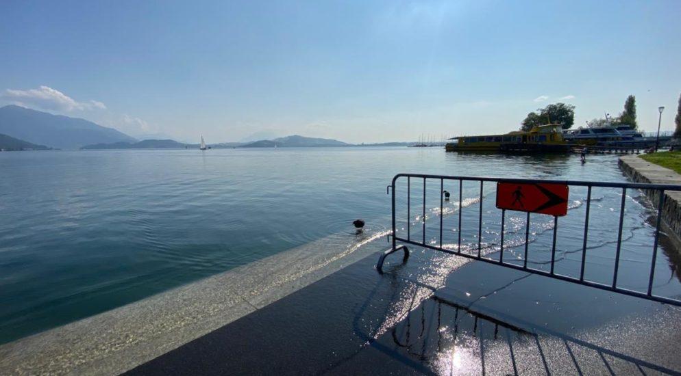 Vorsicht an den Zuger Seen - Wellengang weiter vermeiden!