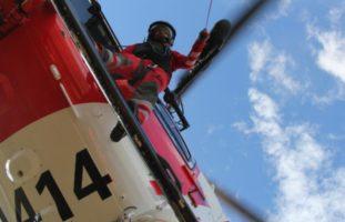 Unwetter Bereich Sihlmatt ZH: In Not geratene Fussgänger durch REGA mittels Seilwinde gerettet