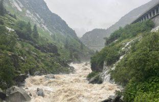 Hochwasser Kanton Uri - Mehrere Häuser evakuiert