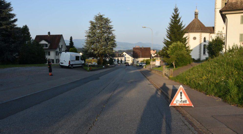 Velolenker bei PW-Unfall in St.Gallenkappel SG verletzt