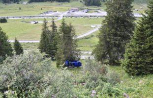 Hinterrhein GR: Zwei Verletzte bei heftigem Selbstunfall