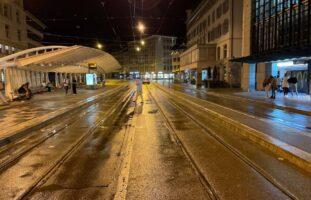 Unfall St.Gallen SG: Abgelenkter Autofahrer erfasst Fussgänger