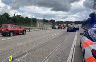 Schwerer Verkehrsunfall auf der A2 bei Egerkingen