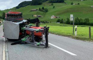Appenzell: Lenker nach Unfall mit Traktor verletzt