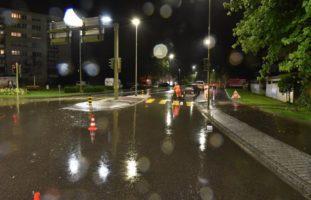 Dübendorf ZH: Frau bei Verkehrsunfall schwer verletzt
