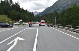 Champfèr GR: Motorradlenker bei Verkehrsunfall mittelschwer verletzt