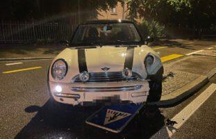 Selbstunfall Frauenfeld TG: 45-Jähriger prallt mit 2,5 Promille in Verkehrsinsel