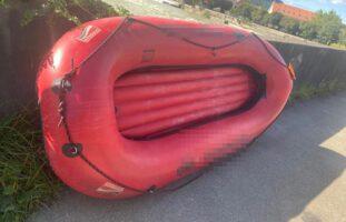 Gebenstorf AG: Schlauchboot auf der Reuss gekentert