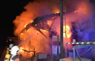 Schiers GR: Güterschuppen in Brand geraten