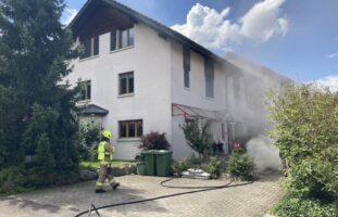 Buttikon SZ: Aschenrückstände führen zu einem Brand