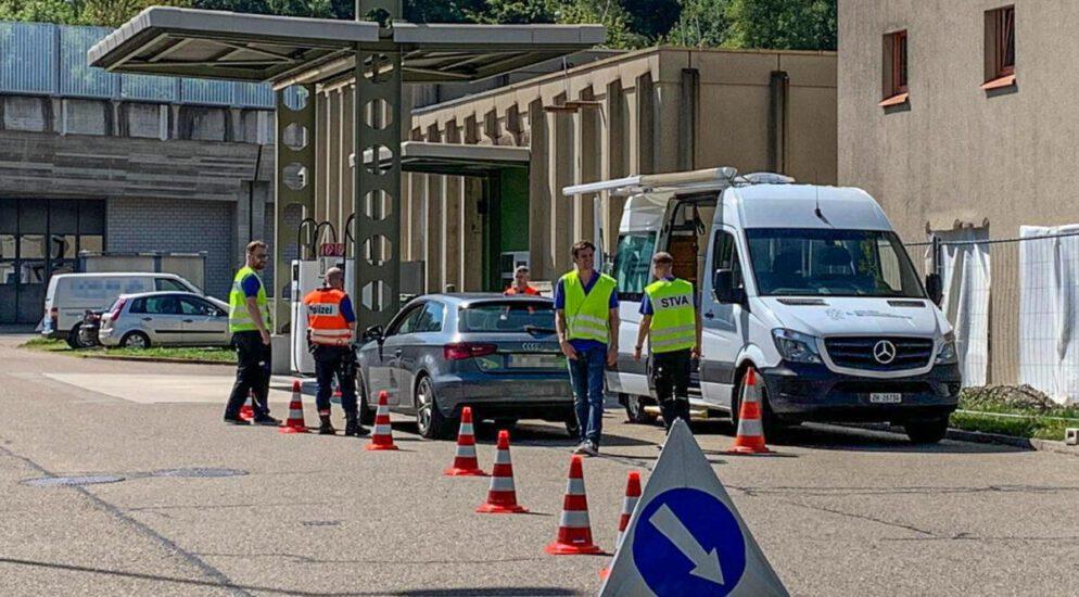 Urdorf: Verkehrskontrolle mit Augenmerk auf Technik und Betriebssicherheit