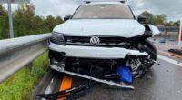 Unfall auf A14 Gisikon LU - Fahrer crasht in Baustellensignalisation