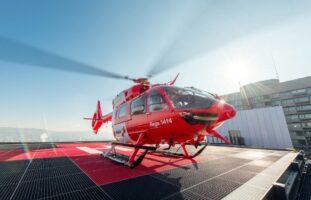 Buchs ZH - Schwerer Velounfall: Rettungshelikopter im Einsatz