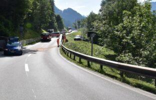 Saas im Prättigau GR - Kollision zwischen Motorradlenker und Auto